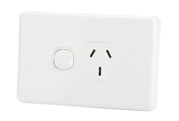 Modern Range Single Power Outlet 10A